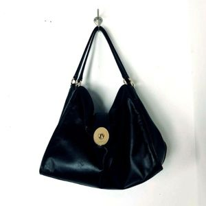 Coach Carlyle Smooth Black Leather Shoulder Bag